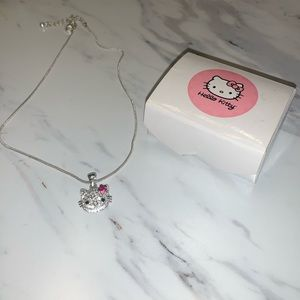 Beautiful Hello Kitty Necklace!